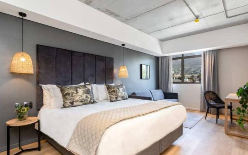 4* KLOOF STREET HOTEL - 1 Night Luxury Stay for 2 people + Breakfast from R 999 pn!