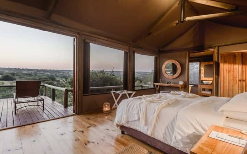 HLOSI GAME LODGE 4*- 1 Night stay for 2 in a Luxury Safari Tent or Luxury Suite for only R5 959 pn!