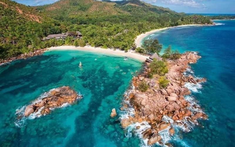 CHRISTMAS PERIOD: Seychelles, CONSTANCE LEMURIA RESORT 5*: 7 Nights Luxury Stay + Breakfast & FLIGHTS From R87 599 pp!