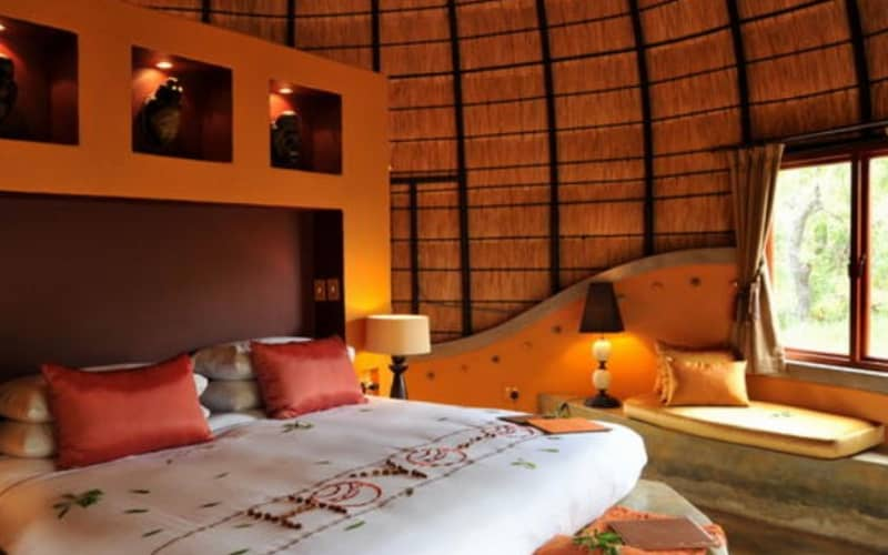 Book 7 Days or Less Prior to Arrival and SAVE- Hoyo Hoyo Safari Lodge: 1 Night ALL INCLUSIVE Luxury Stay for 2!