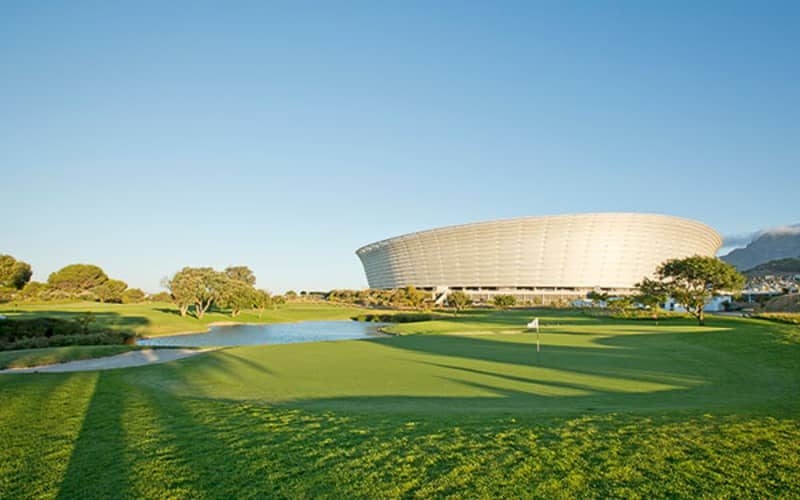 METROPOLITAN GOLF CLUB - 4 Ball Special at one of the most popular courses in Cape Town - only R899!