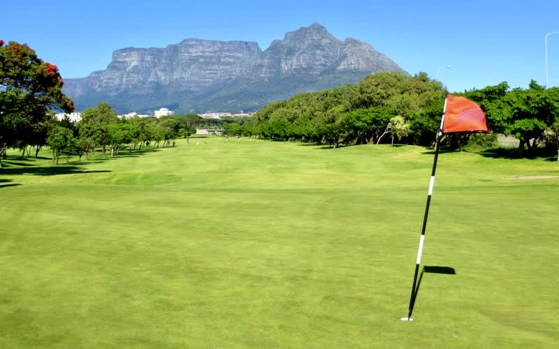 RONDEBOSCH GOLF CLUB Spring Special: 4 Ball WITH carts for only R1 299!