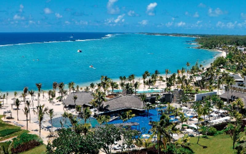 Long Beach, Mauritius: 5 Night Half-Board Stay + FLIGHTS, UNLIMITED Golf & more from R23 339pps!