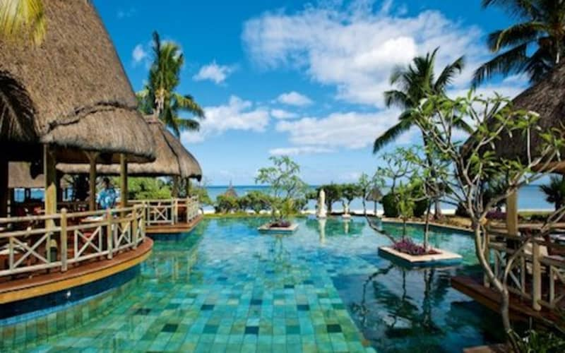 La Pirogue 4* Resort & Spa, Mauritius: 7 Night HALF-BOARD Luxury Stay + FLIGHTS & Golf from R30 600 pps!