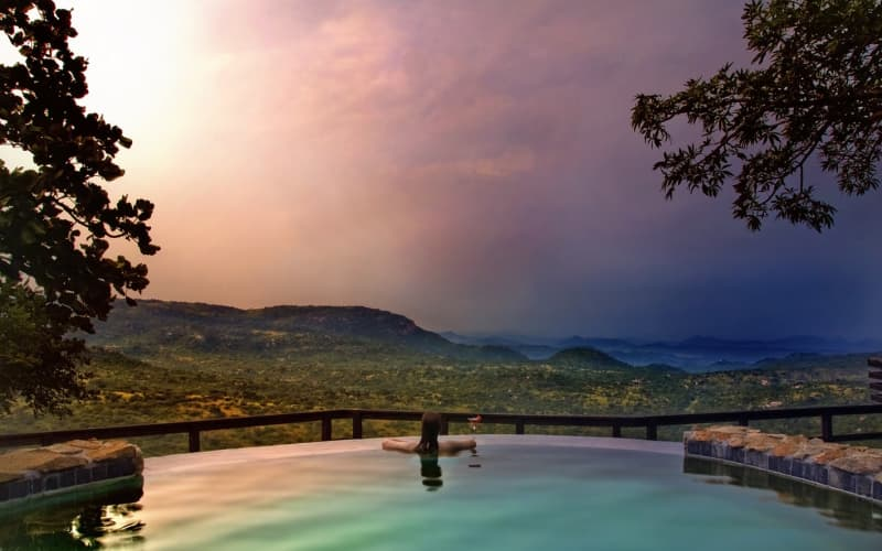 Bongani Mountain Lodge: 1 Night Stay for 2 People + Meals & 2 Game Drives R2 999 pn!