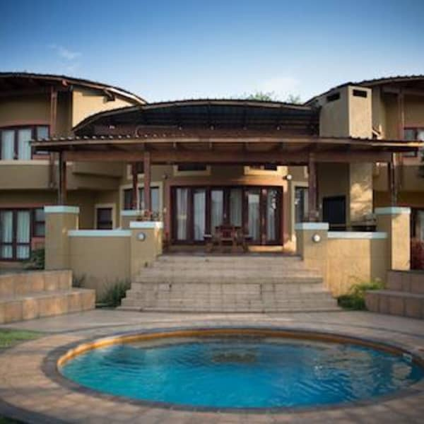 Nkonyeni, Swaziland 8-Person GOLF TOUR: 2 Nights in a Luxury Villa & Golf, Cart or Spa Vouchers!