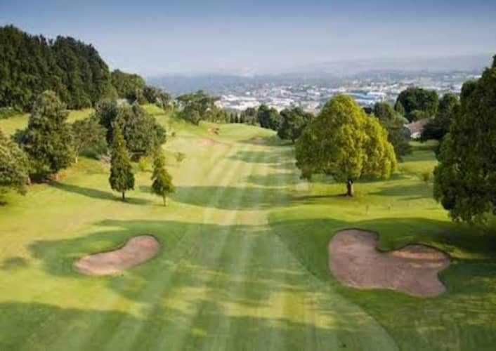 KLOOF COUNTRY CLUB: 2-Ball + Carts - only R839!
