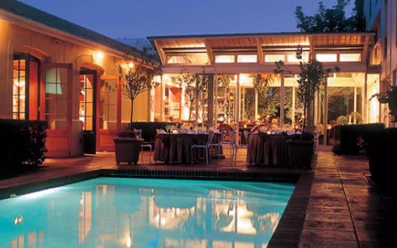 The PortsWood Hotel: 1 Night Special + Breakfast Located by V&A Waterfront from R1 630!
