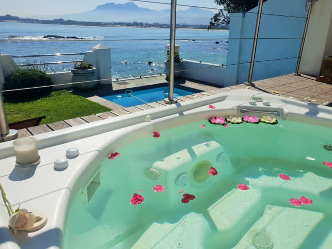 Gordons Bay Westbank Private Villa -1 Night beach front stay for 8 people!