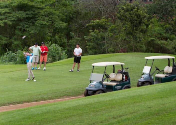 KLOOF COUNTRY CLUB: 4-Ball Deal for R799!