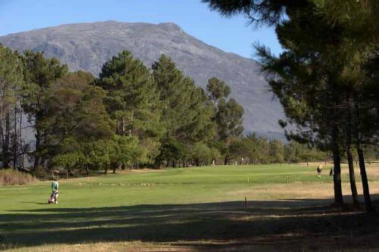 Theewaterskloof Country Estate & Golf Course: 2-ball Deal for just R319!