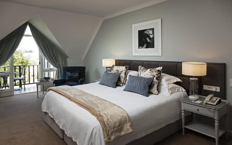 FANCOURT: Family Getaway Special: 1 Night Stay for 2 + Full English Breakfast Daily