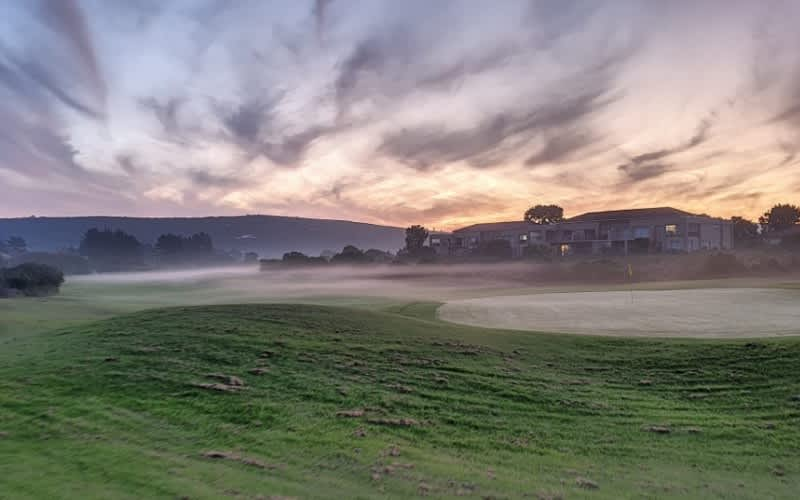 GOOSE VALLEY GOLF CLUB: 4-Ball including CARTS for only R1 999!