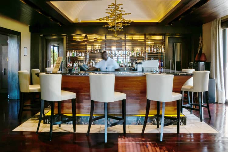 PEZULA RESORT HOTEL & SPA: 3 Nights LUXURY Stay for 2 People + 1 Round of Golf pp + DINNER Vouchers + Breakfast!