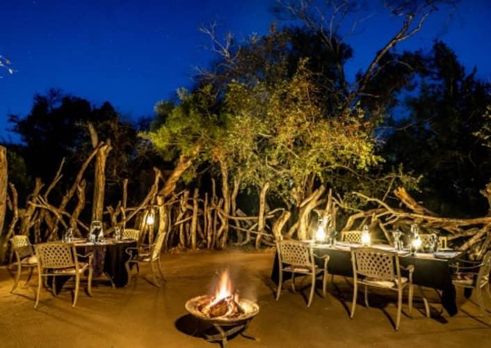 TINTSWALO SAFARI LODGE -Manyeleti Nature Reserve- 1 Night LUXURY Stay for 4 people!