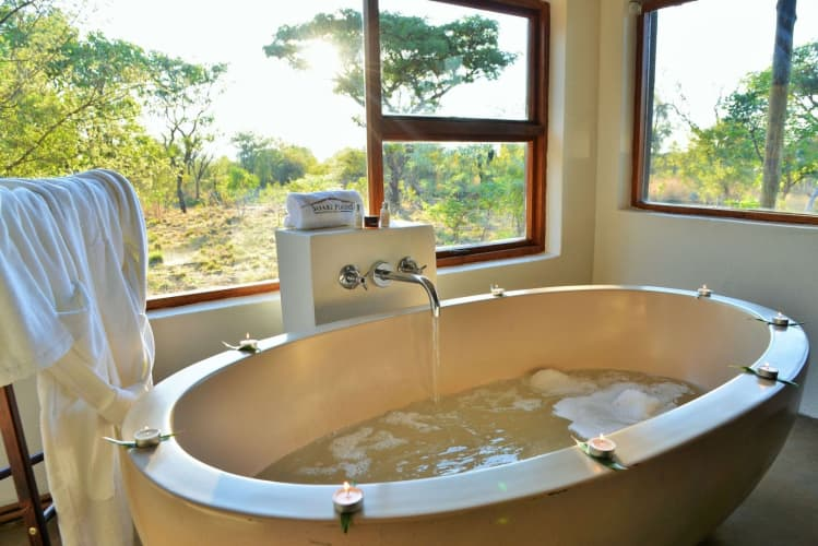 SUPER SAVER!! SAFARI PLAINS - 1 Night Tented Stay for 2 people + All Meals + Game Drives from R3 989 PN!