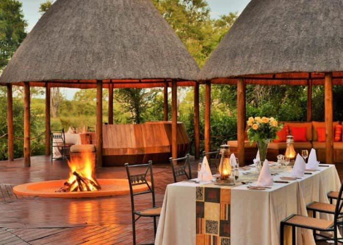 HOYO HOYO SAFARI LODGE- 5* Luxury Stay for up to 12 People! Full Exclusive Use of Camp + All Meals + 2 Safaris Daily!