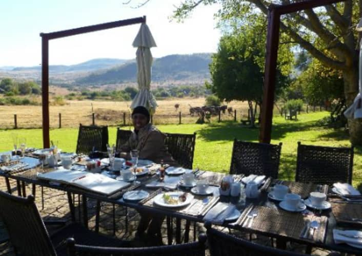 BAKUBUNG BUSH LODGE: Midweek Stay for 2 + Meals & Game Drive from R4 359 per night!