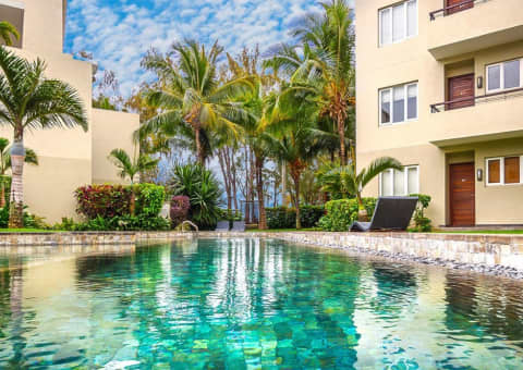Cape Bay Beach Resort Mauritius - Beautiful Modern 2-3 Bedroom Apartment as from R2 379 per night!