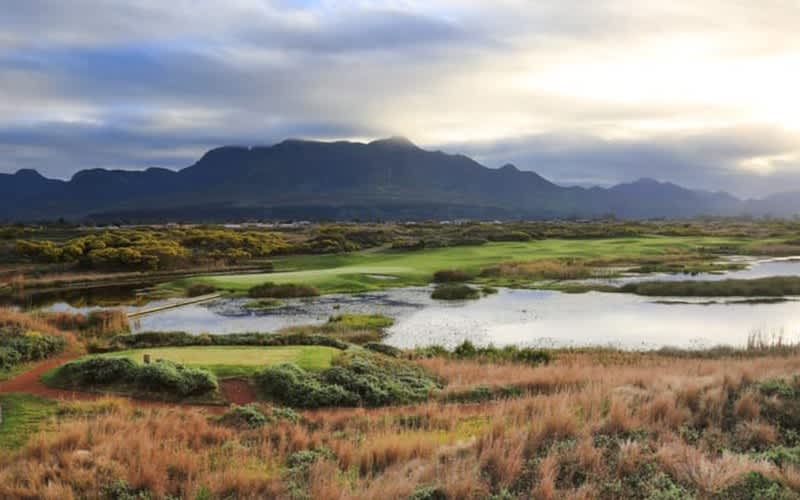 FANCOURT BUCKET LIST GOLF TOUR - 3 Nights for 2 & All 3 courses including The Links!