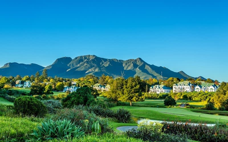 FANCOURT FAMILY Summer SPECIAL: 2 Nights Stay + Breakfast from R4 499!
