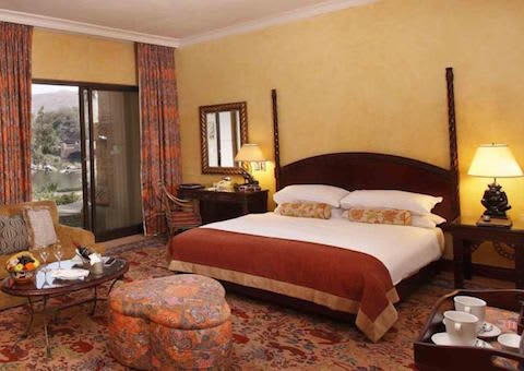 Sun City THE PALACE OF THE LOST CITY 2021- 2 Night WEEKEND Luxury Stay for 2 + Breakfast!