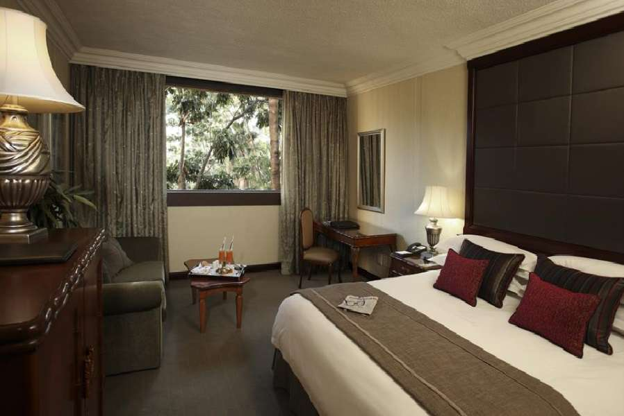 Cascades: 2021 EXCLUSIVE OFFER - 2 Night Weekend Stay for 2 people sharing + Breakfast!