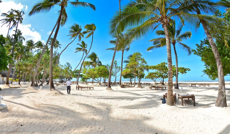 ZANZIBAR 4* Diamonds- Mapenzi Beach 7 Nights Deluxe Stay from R16 680 pp!