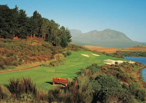 ARABELLA GOLF COURSE: 4-Ball SUMMER Special + 2 Carts from R2 599!