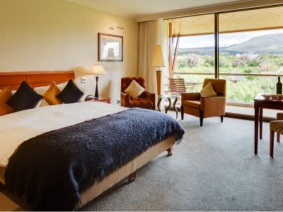 ARABELLA HOTEL, GOLF & SPA: Luxury Stay FOR 2 people + Golf OR Spa Treatment for less than R3 750 per room /night!
