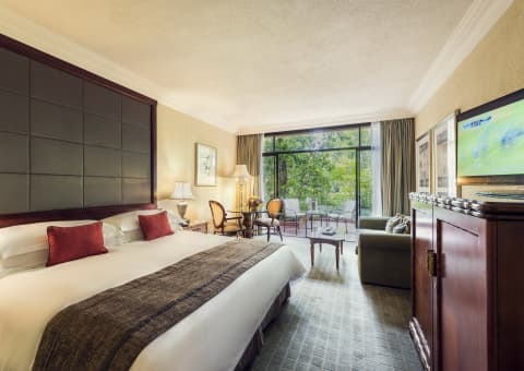 Cascades: 2021 EXCLUSIVE OFFER - 1 Night Midweek Stay for 2 people sharing + Breakfast!