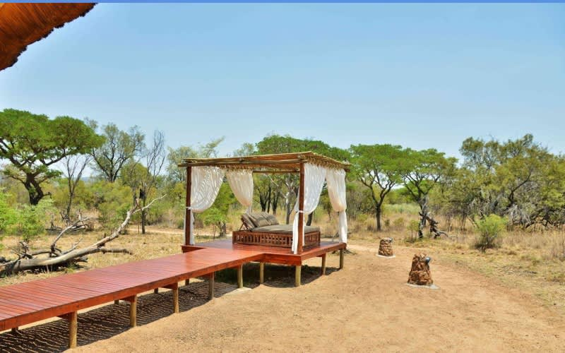 SAFARI PLAINS - 1 Night Tented Stay for 2 people + Meals + Game Drives for R3 989 pn!