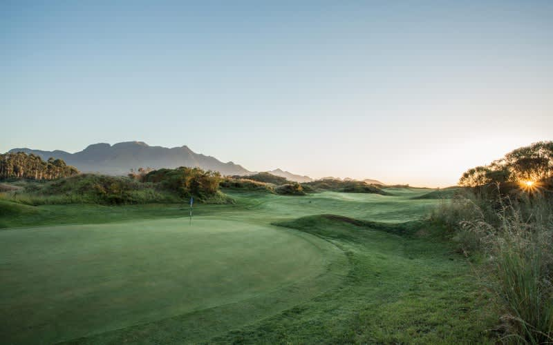 FANCOURT: 1 Night Stay for 2 at The Manor House + 2 Rounds of Golf at The Links & Breakfast