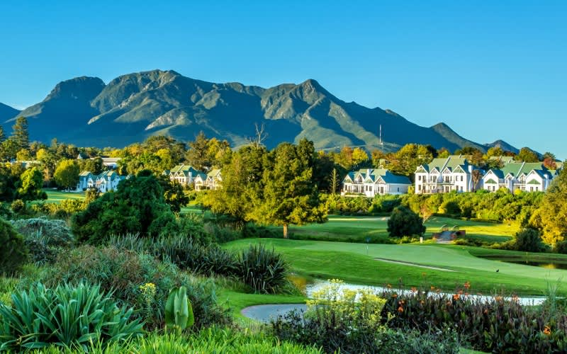 FANCOURT: Manor House Golf Tour: 2 Night Stay for 2 at The Manor House + 4 Rounds of Golf & Breakfasts!