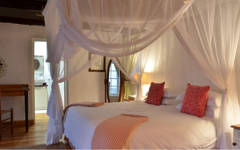 DE HOOP-OPSTAL- 1 Night Stay for 2 INCLUDING Breakfast + Dinner for R1 860 per person pn!
