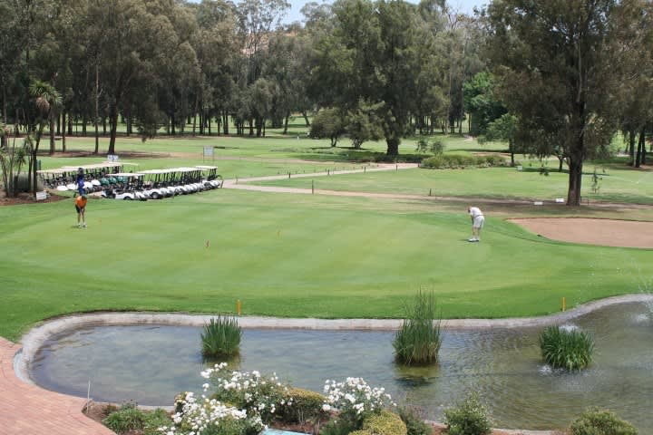 Reading Country Club: 4-Ball Deal Including Carts for just R1 869!