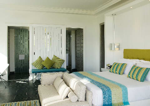 Long Beach, Mauritius: 5 Night Half-Board Stay + FLIGHTS, UNLIMITED Golf & more from R29 339pps!
