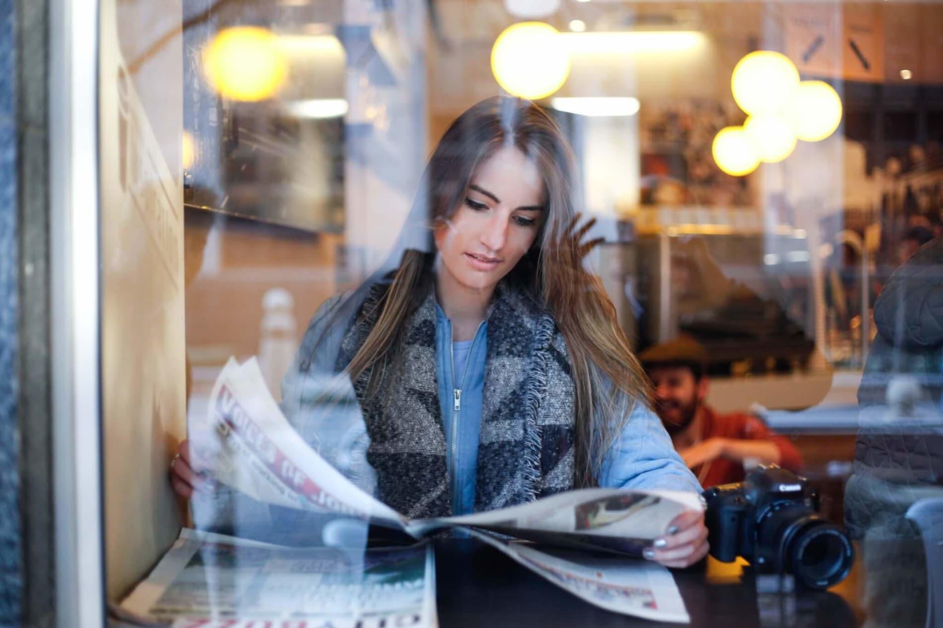 Hibob in the news: December's happy holiday headlines - keenan-constance-F7n6gixbJK0-unsplash.jpg