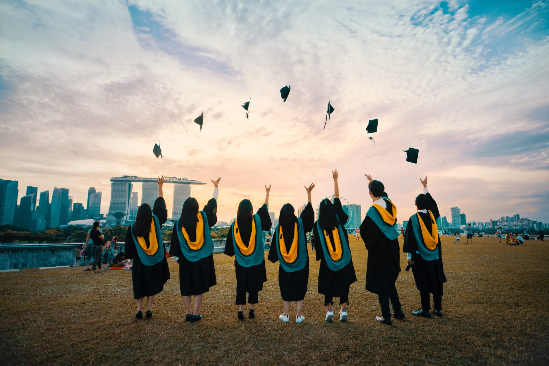 How You Can Connect with New College Graduates - pang-yuhao-_kd5cxwZOK4-unsplash.jpg