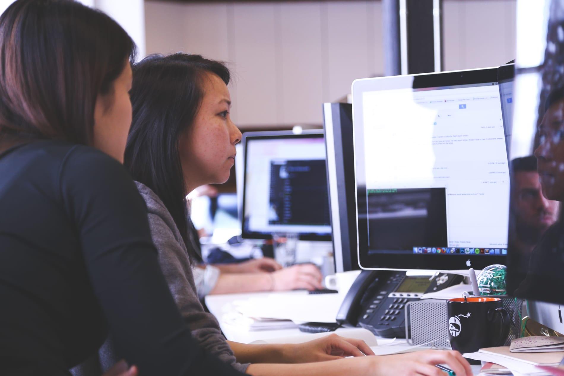 HR Professionals: AI in HR - startup-photos-1.jpg