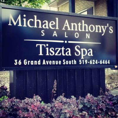 Tiszta Spa, Michael Anthonys Salon