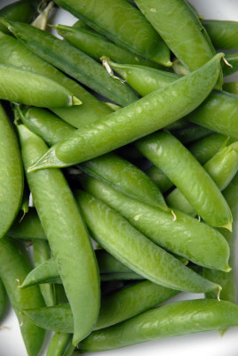 green peas green vegetables healty vegetables
