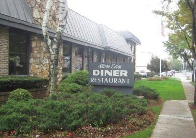 Diner Reaffirms Faith in River Edge