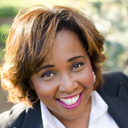BEVERLY JACKSON  VP, SOCIAL MEDIA MARKETING AND CONTENT STRATEGY  MGM RESORTS INTERNATIONAL keynote speaker at digital summit phoenix 2017