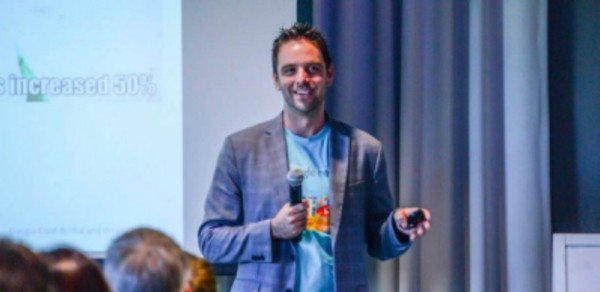 keynote speaker Adam Singer - Analytics Advocate - Google