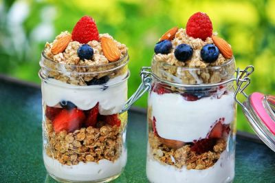Healthy snacks, healthy eating, snacking on the go, granola and yogurt