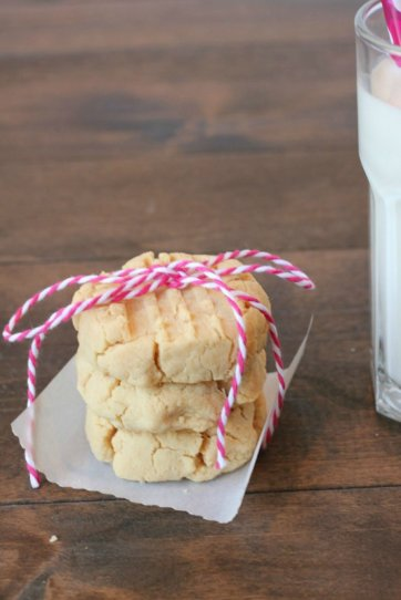 coconut flour shortbread cookies, shortbread cookies, coconut flour, cookies, paleo recipes