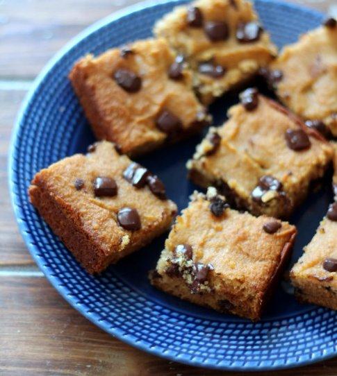 paleo recipes, coconut flour chocolate bars, bars, coconut flour, dessert, snacks