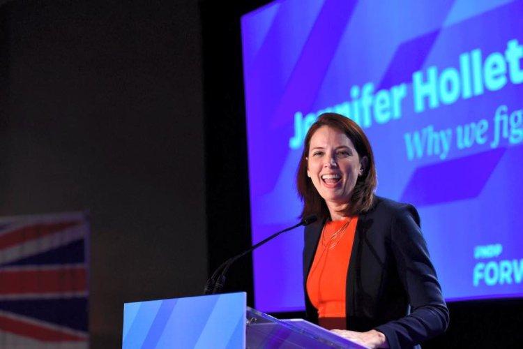 keynote speaker Jennifer Hollett - Head Of News And Government - Twitter Canada
