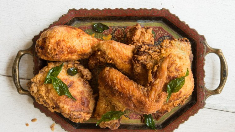 fried chicken with coconut oil, fried chicken, main course, coconut oil, coconut recipes